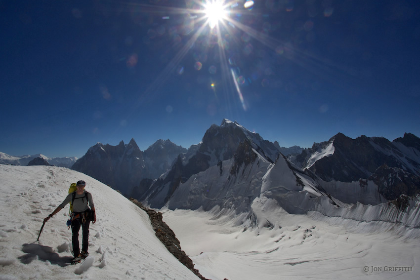 GASHERBRUM-III (7,952 M)