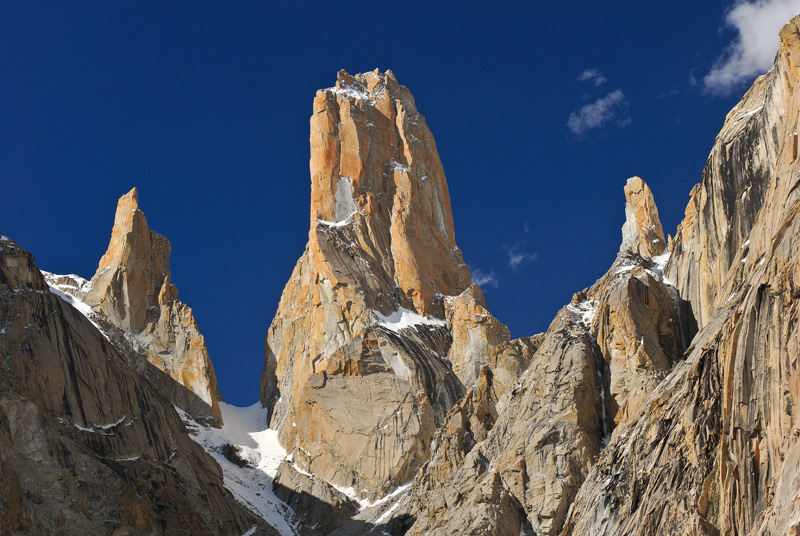 Trango Tower 6,239 M
